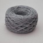 Feinstes Web- und Strickgarn aus Bio-Leinen, grau